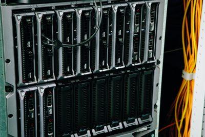 Serverschrank von Elektro Janssen installiert