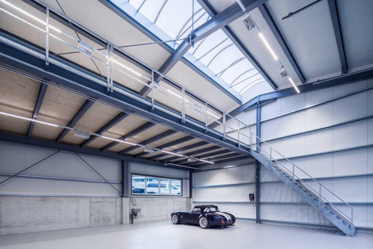 Werkshalle mit LED Technik ausgestattet von Elektro Janssen